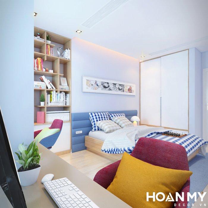 Căn phòng này được thiết kế màu xanh dương nổi bật, theo cá tính của con trai chủ đầu tư