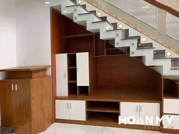 Tại sao nên thiết kế tủ gầm cầu thang?