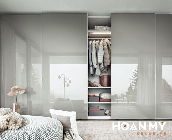 Tủ quần áo kiểu Hàn âm tường cực kỳ sang trọng và tối ưu công năng, tiết kiệm diện tích