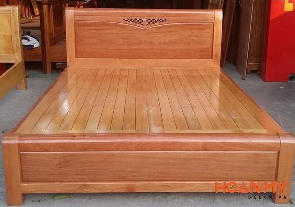 Giường gỗ công xoan đào 2m x 2m2