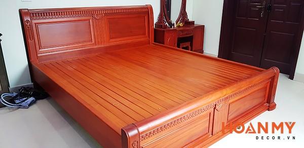Giường gỗ hương 2m x 2m2 - Hình ảnh 1