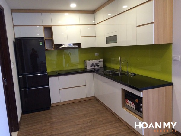 Nội thất tủ bếp làm từ gỗ MDF phủ melamine